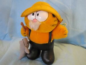 VINTAGE DAKIN GARFIELD FISHERMAN PLUSH with tag and fish still attached