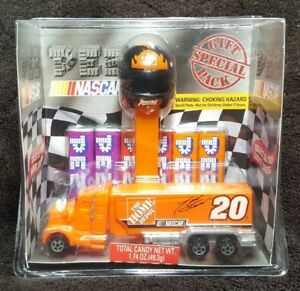 Nascar-Tony-Stewart-Home-Depot-Racing-2006-PEZ-Special-Gift-Pack