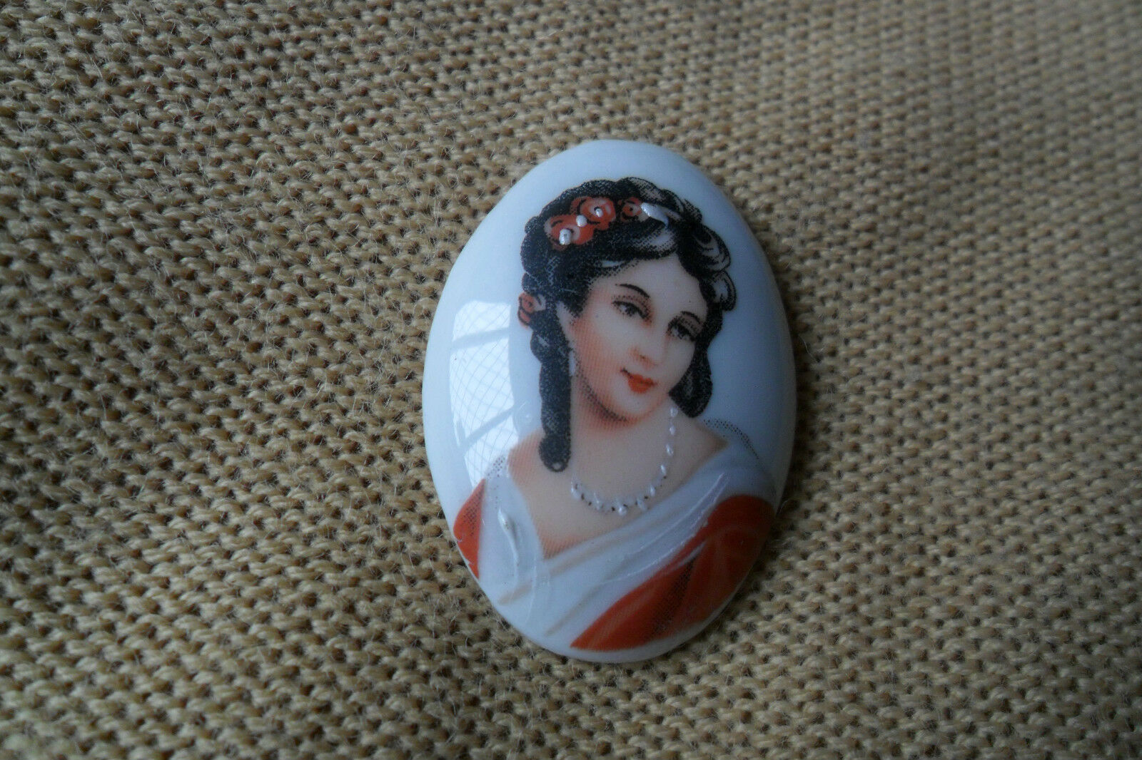 A beautiful vintage oval LIMOGES FRANCE hand painted victorian lady pendant