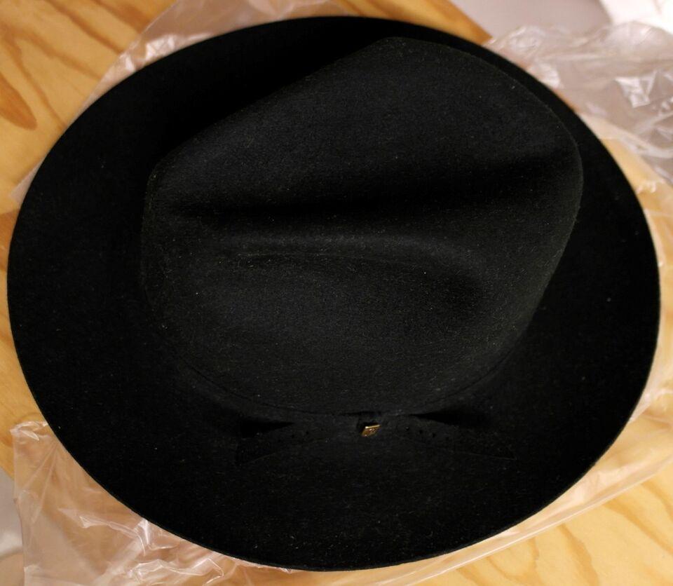 Hat, Barbisio, str. 57