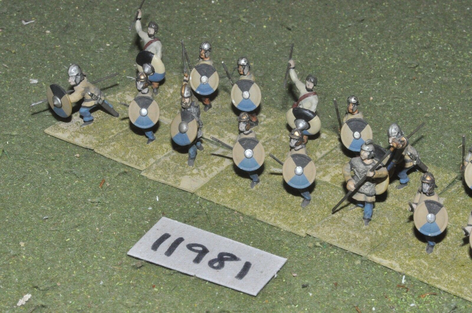 25mm roman era   roman - late javelinmen 16 figs - inf (11981)