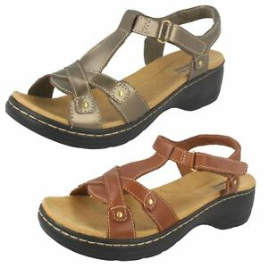 7102a3d91b8 Image is loading Ladies-Clarks-Sandals-034-Hayla-Flute-034