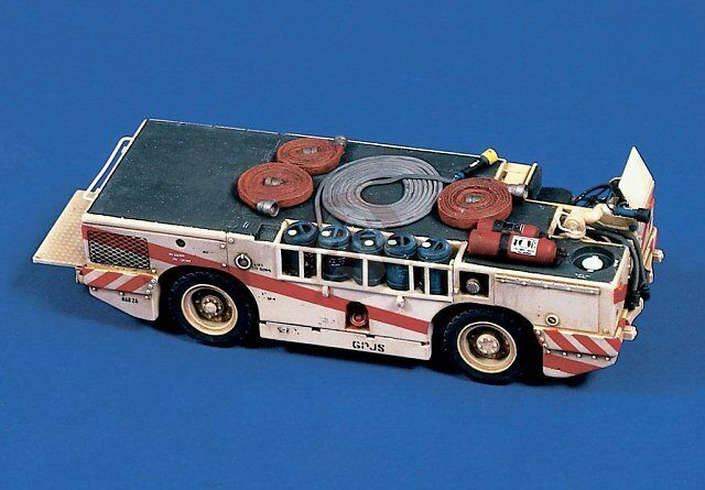 Verlinden 1 48 US Navy Carrier Fire Tractor (Large Type) [Resin with Decal] 359