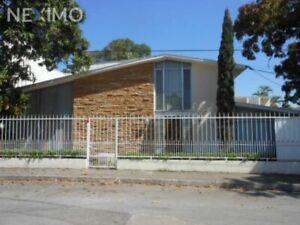 Casa en venta en Minerva, Tampico Tamaulipas CP. 89120
