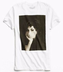 Amy-Winehouse-AMY-WINEHOUSE-PHOTO-T-Shirt-NEW-Licensed-amp-Official-RARE