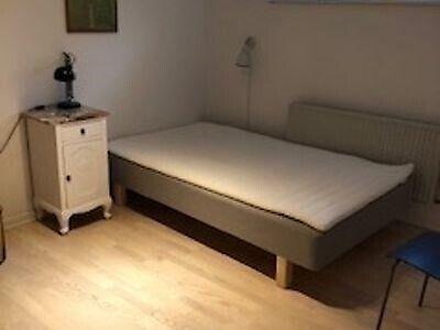 8210 værelse, kvm 12, mdr forudbetalt leje