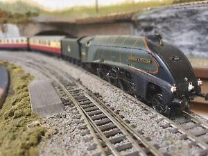 The Northumbrian A4 & 6x Coaches DCC Sound Smoke Lamps Passengers & more
