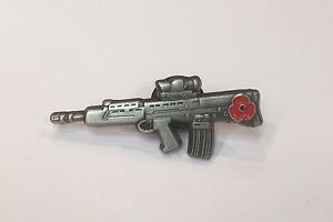Military-Soldier-SA-80-Rifle-Lapel-Pin-10-Donated-to-Veterans-Charities