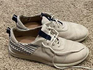 Toms Tennis Shoes Tan Sparkly Lace Up Women's Size 8