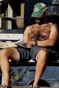 Shirtless Male Beefy Hairy Dude In Shorts on Park Bench w// Beard PHOTO 4X6 D1143