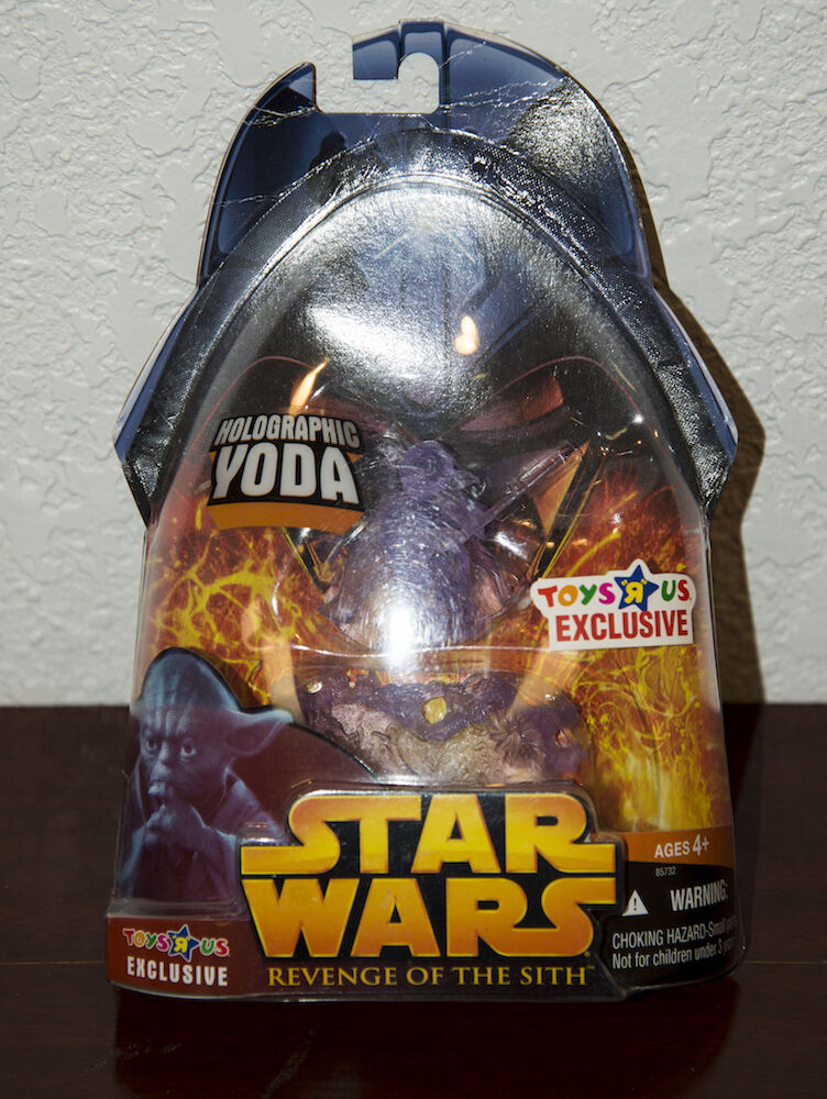 2005 STAR WARS REVENGE OF SITH HOLOGRAPHIC YODA ACTION FIGURE TOYS R US EXC. MIP