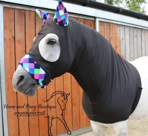 Black stretch cheval capuche avec harlequin polaire bordure