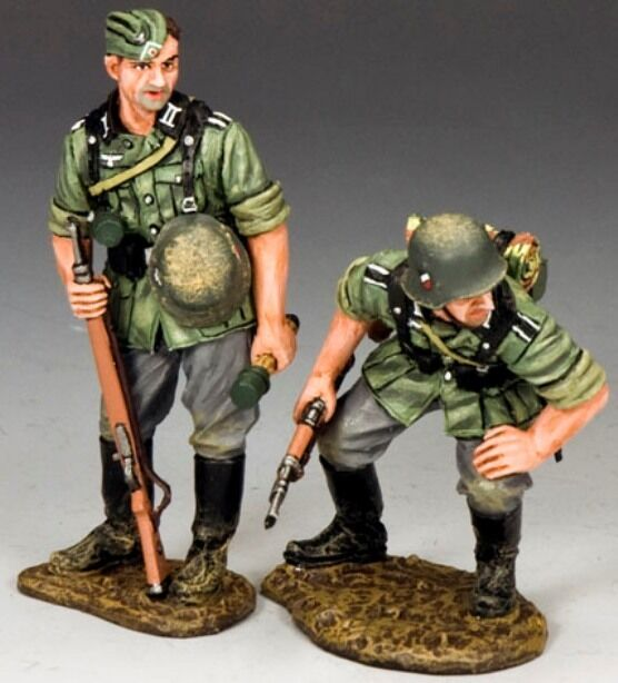 KING & COUNTRY WW2 GERMAN ARMY WS215 JUST LOOKING MIB