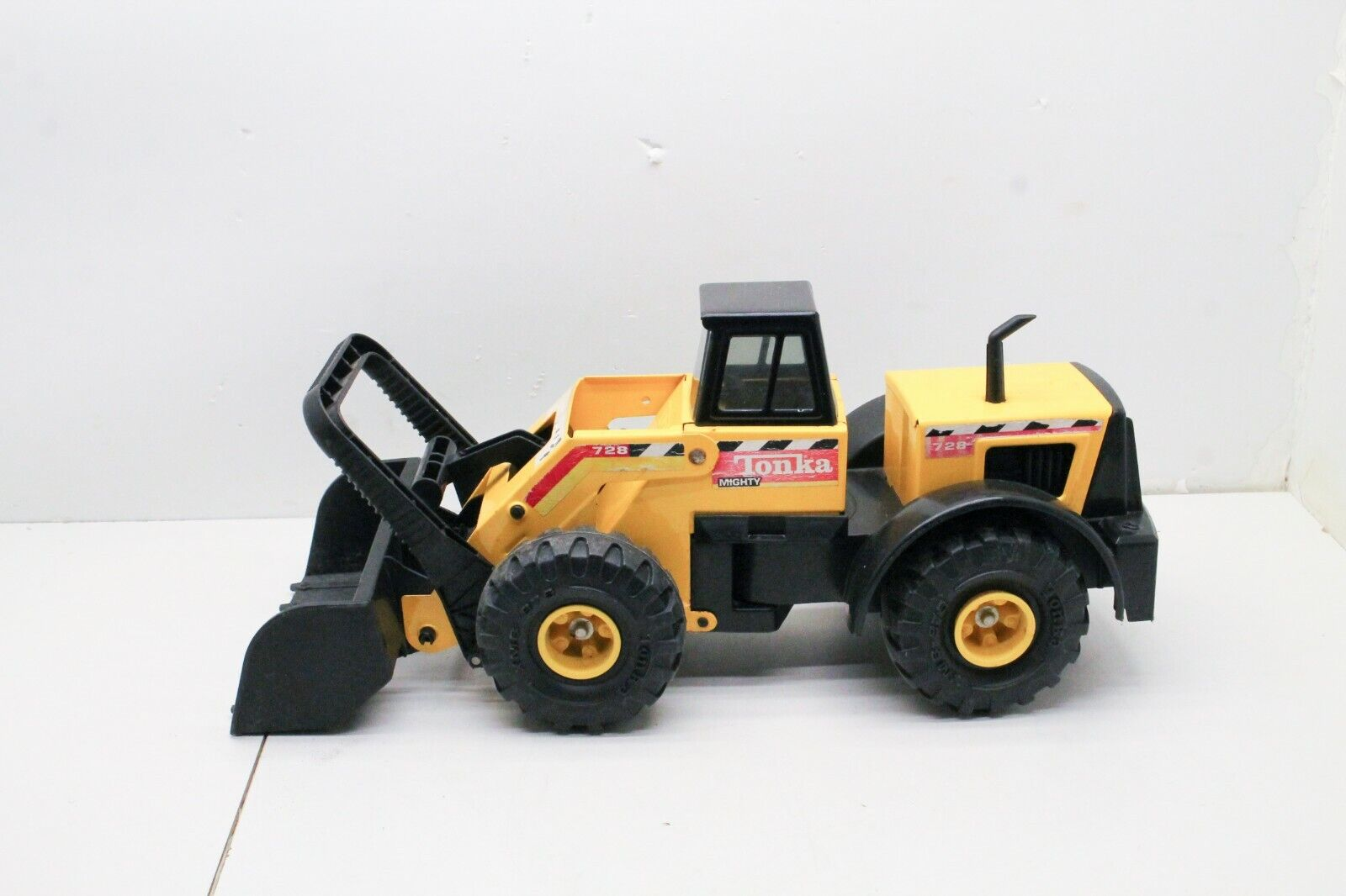 Tonka Mighty Loader Original Nice older Toy 21 1 2   Long