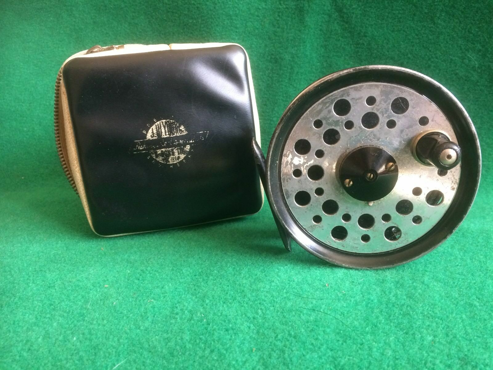 VINTAGE FISHING - J W YOUNG BEAUDEX 3 1 2  WIDE DRUM TROUT FLY REEL &  REEL CASE