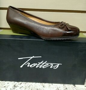 TROTTERS-LILLY-IN-BROWN-LEATHER-COMFORTABLE-WEDGE-REG-130