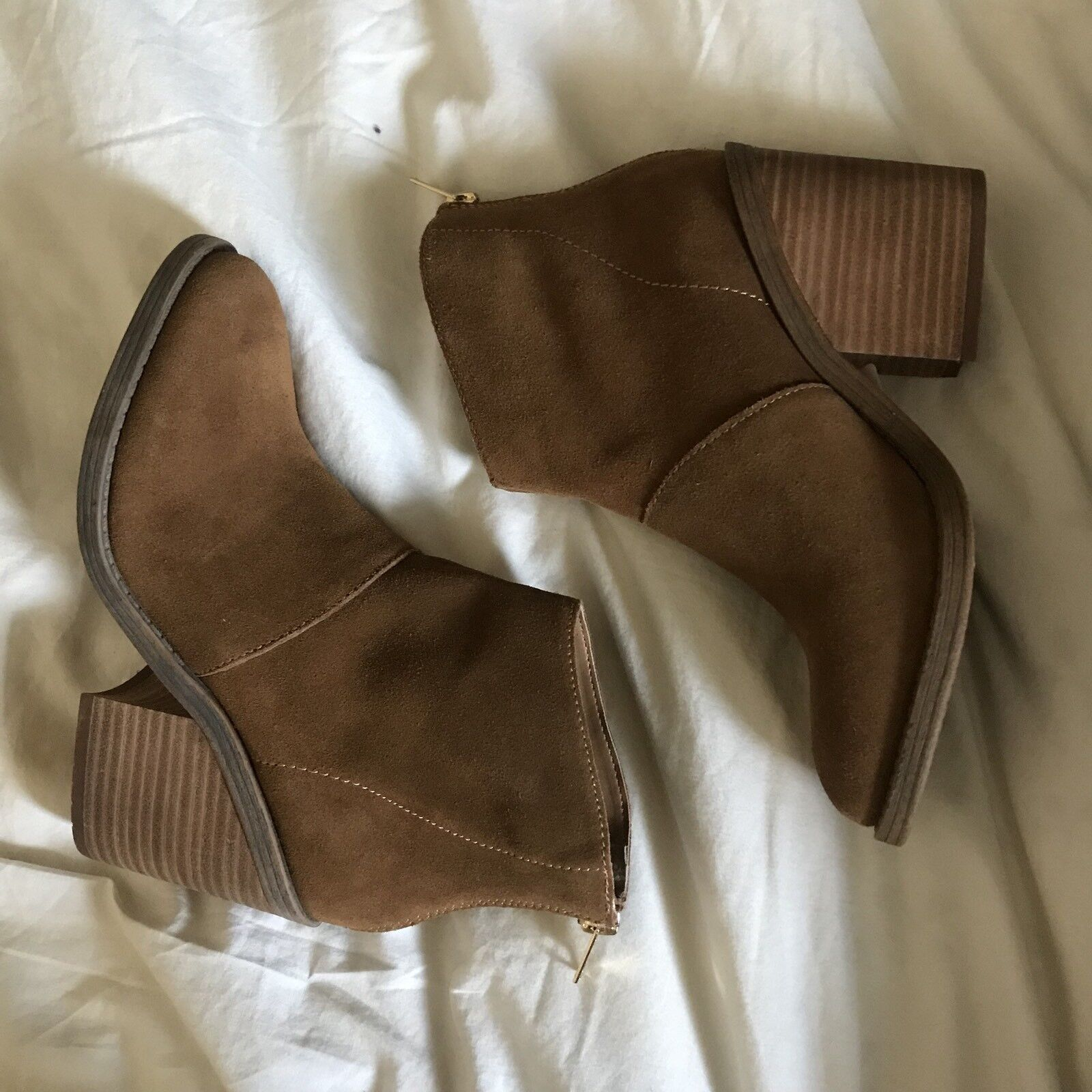 Steve Madden Suede Brown Ankle Booties Size 7