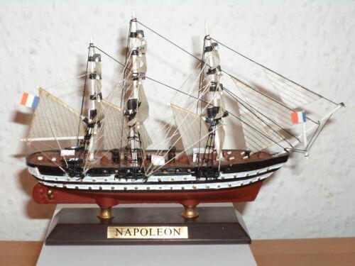 Collection bateau modèle Napoléon en plastique et bois #22