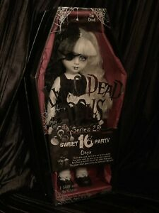 Living-Dead-Dolls-Onyx-Series-28-Doll-Sweet-16-Party-Anniversary-sullenToys