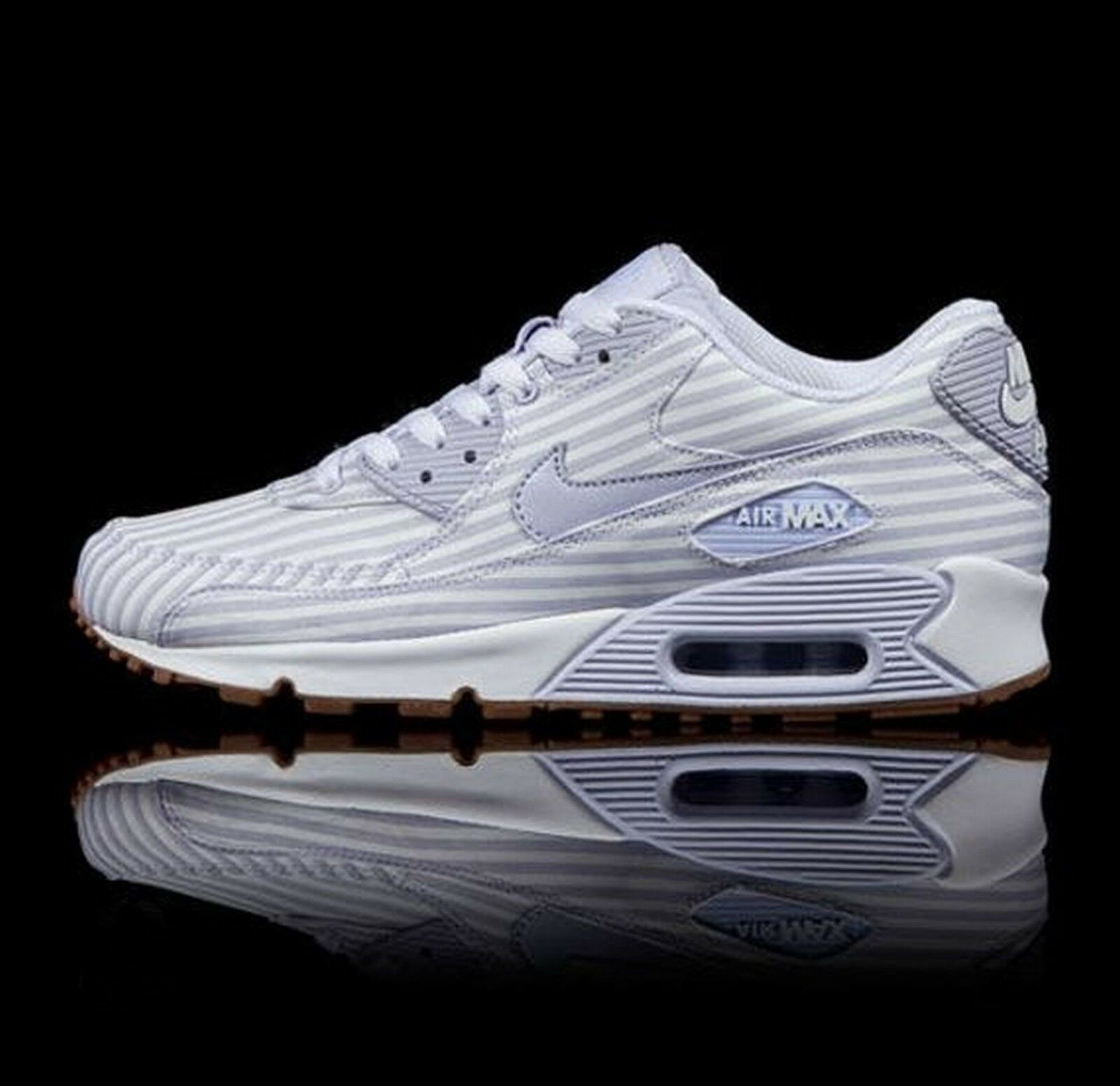 Nike Air Max 90 Palest Purple  White-Gum Light Brown 325213-503 Wmn Sz 7.5
