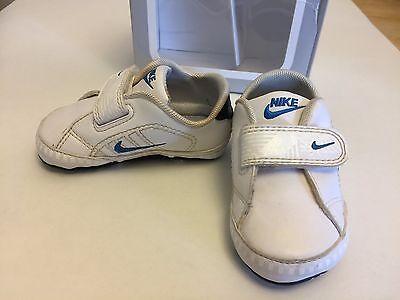 Nike UK 2.5 primer tribunal tradición Suela Suave Cochecito Zapatos Zapatillas Eur 18.5
