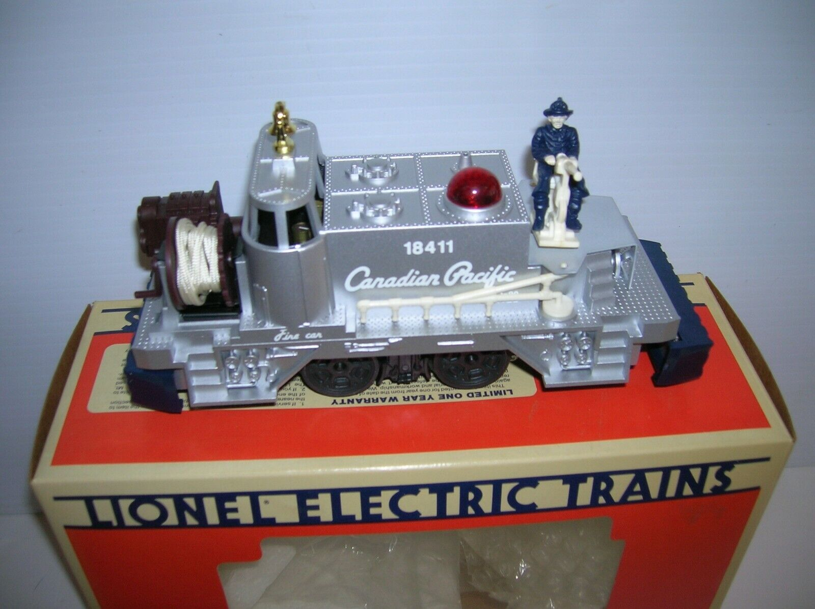 LIONEL   6-18411 6-18411 6-18411   CANADIAN PACIFIC FIREauto   LNscatolaED  , LOT  16861 3b227c