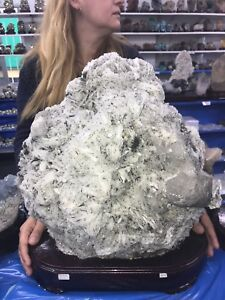 A-Must-See-SNOW-CRYSTAL-on-ALBITE-Mineral-27-4-Kgs-60-Lbs
