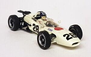 Quartzo-1-43-Scale-QFC99010-Honda-RA272-French-GP-R-Bucknum-Diecast-F1-Car