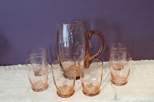 VINTAGE-PINK-DEPRESSION-GLASS-7-1-2-034-PANELED-WATER-PITCHER-AND-6-GLASSES