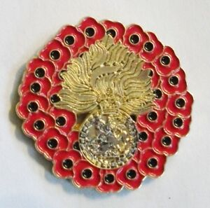 POPPY WREATH RROF (ROYAL REGIMENT OF FUSILIERS) BADGE IN GOLD METAL