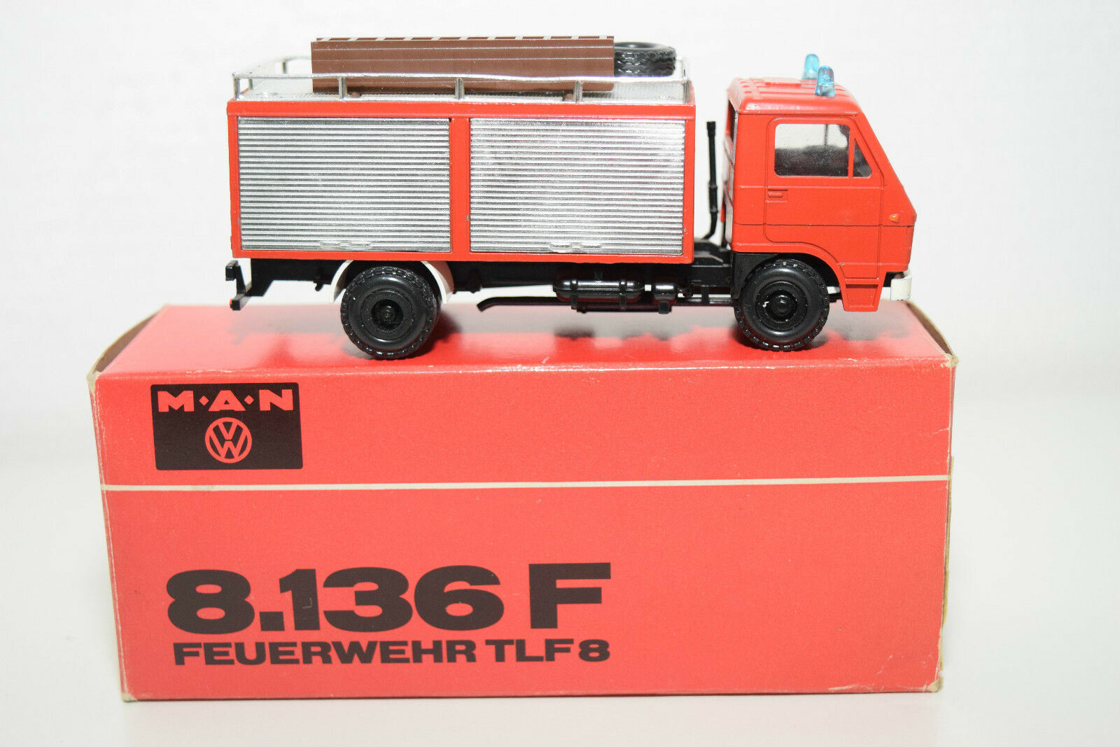 CONRAD MAN M.A.N. 8.136 F 8.136F FEUERWEHR FEUERWEHR FEUERWEHR TLF8 TLF 8 MINT BOXED 5aa54c