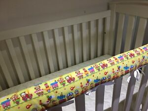 2 x Reversible Baby Cot Crib Teething Rail Cover Protector ~ Animal Train