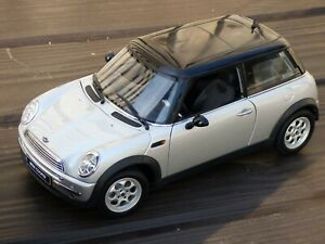 Autoart-Mini-Cooper-S-Milenio