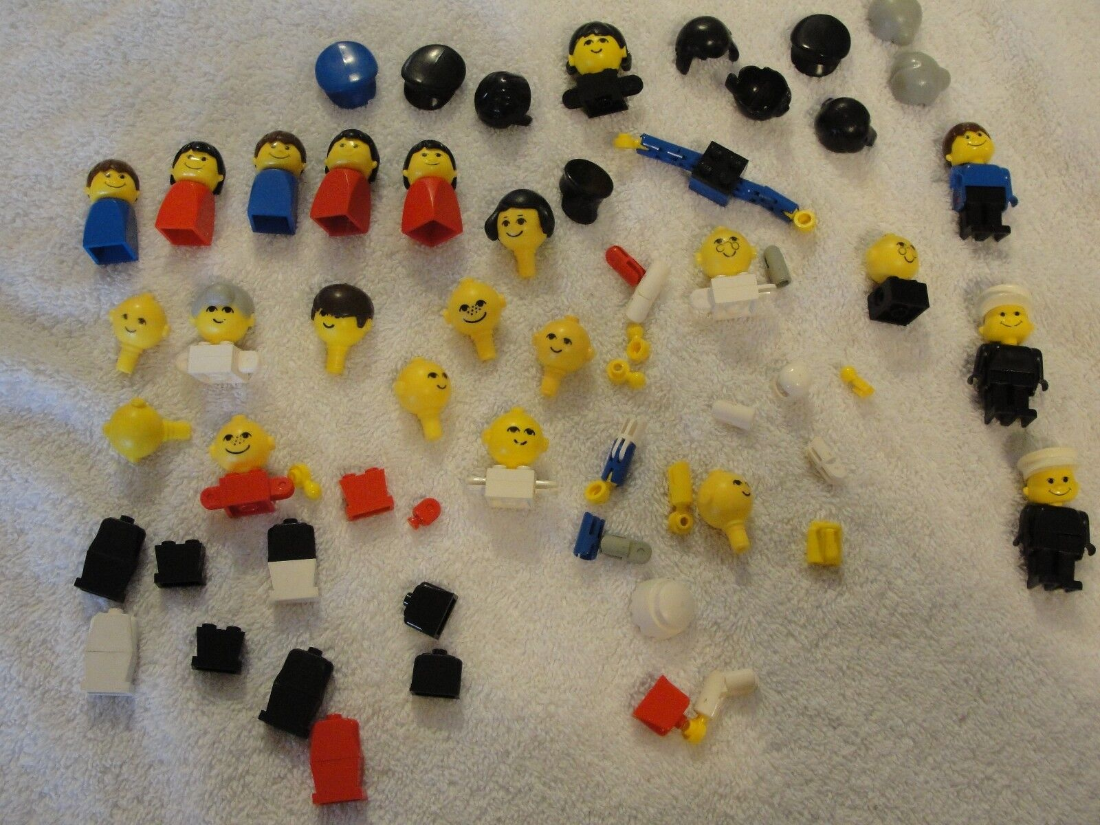 Awesome lot of vintage Lego persone parts Mini cifras Legos  Must See  negozio online