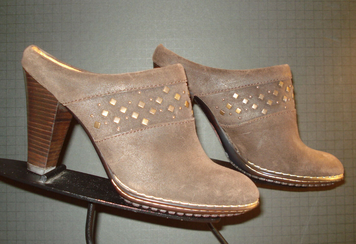 Sofft Waxed Brown Leather Brass Tack Heeled Bootie Mules Sz 8M MINTY