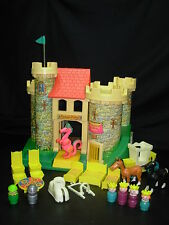 COMPLETE Vintage Fisher Price Little People #993 CASTLE