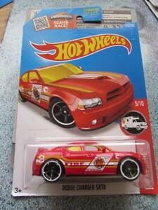 HOT-WHEELS-2016-215-250-DODGE-CHARGER-SRT8-Rojo-Funda-E-Treasure-Hunt-Largo