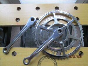 Twin bicycle chainwheel set