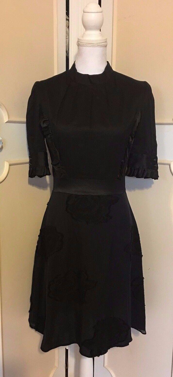 Myth And Ritual Seide Baumwolle 3 4 Arm Ruffle Kleid mit   Aufgestickte Blaumen