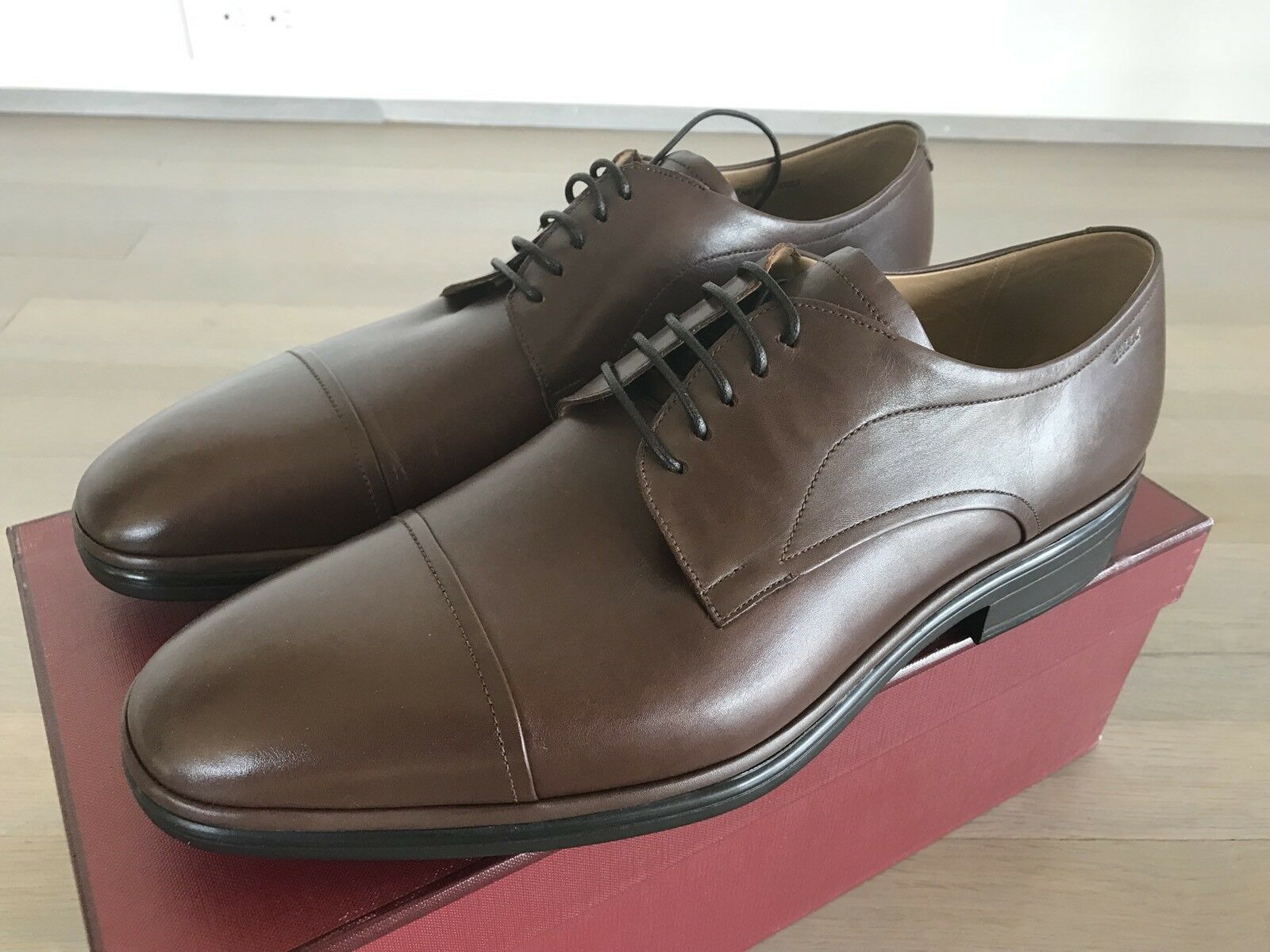 600  Bally Brown Nevil Leather Laces Up Size US 9 Made in Switzerland
