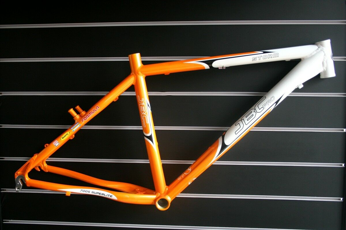 JBCPRO tormenta Aleación de cuadro para bicicleta de montaña 26   18  blancoo Naranja Claro Stock