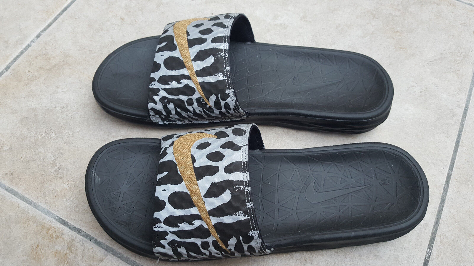 NEW NIKE BENASSI SOLARSOFT SLIDE 705476-020 SIZE 44. AIR MAX ONLY PAIR ON EBAY