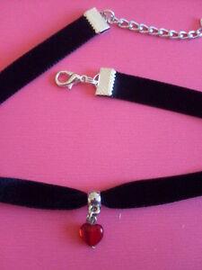 Black-velvet-choker-necklace-13-5-inches-extender-red-czech-glass-heart-pendant