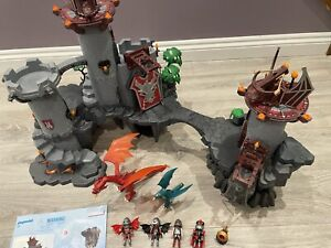 Playmobil-5996-Dragons-Knights-Castle-And-4836-Castle-Extension