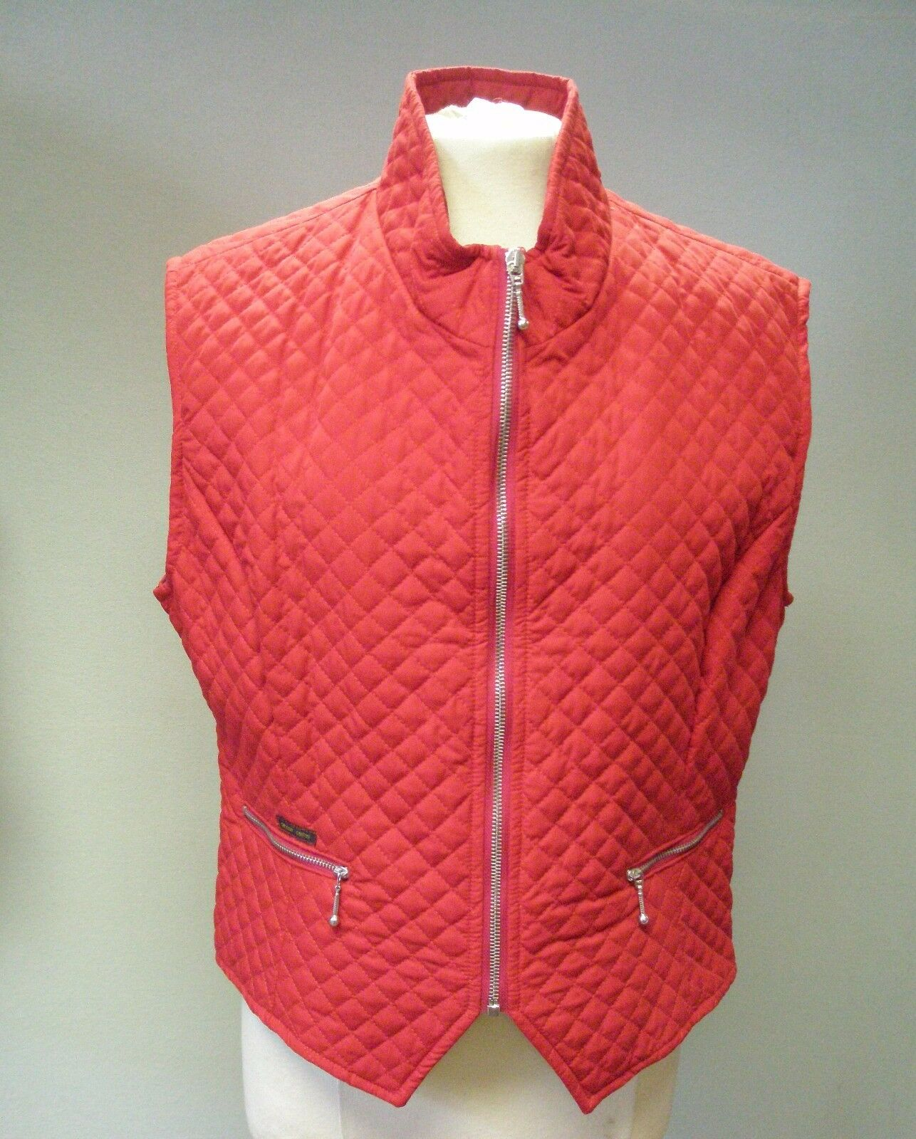 golden Dress Ladies Red Quilted Gilet Size Large
