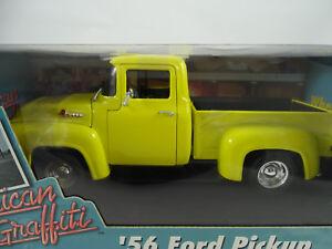 1-18-ERTL-American-Graffiti-1956-Ford-Pick-up-AMARILLO-Rareza-NUEVO