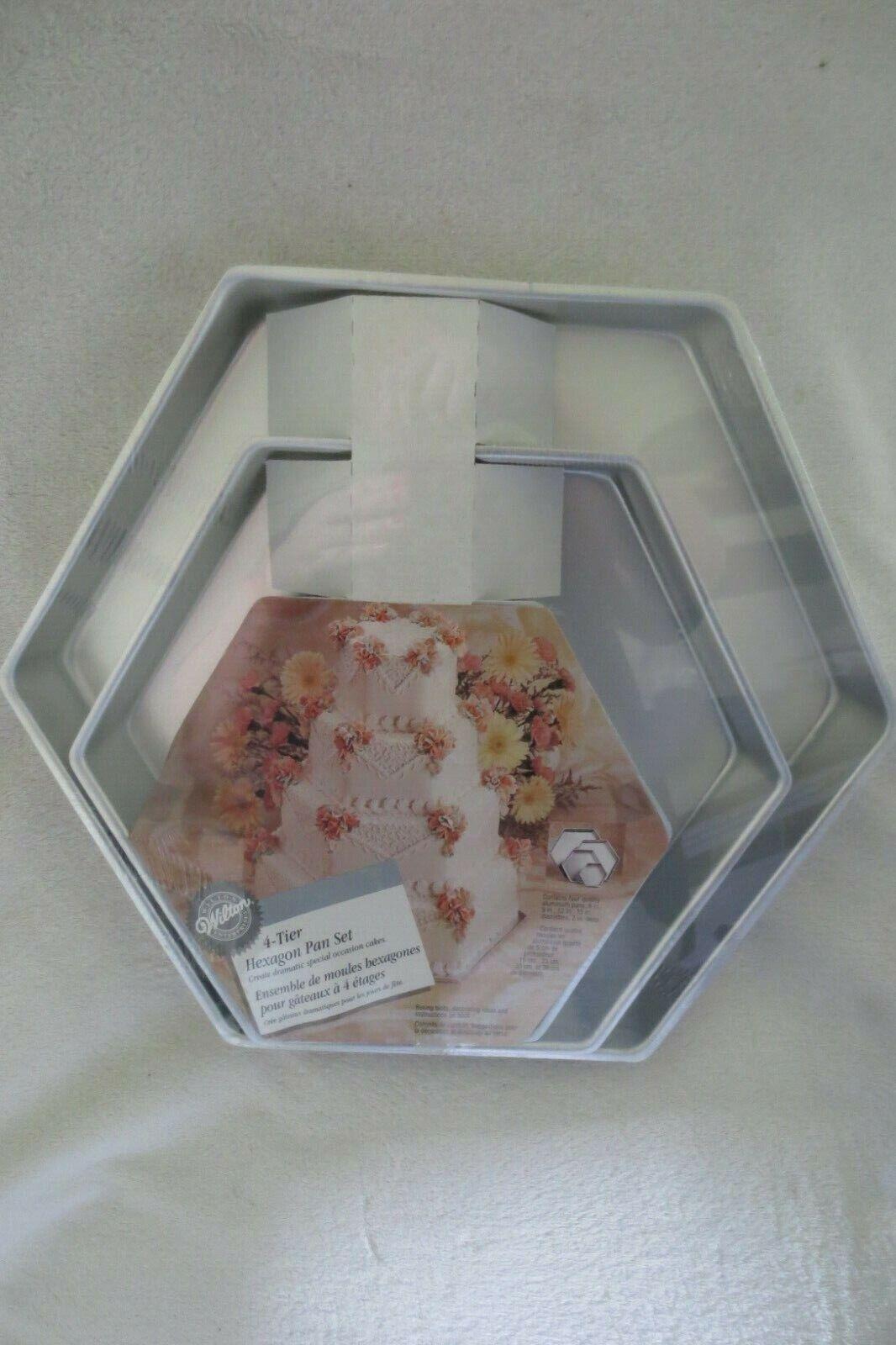 Wilton Hexagon 4 PC Decorator Preferrouge Gateau Mariage Anniversaire Baking Pan Set