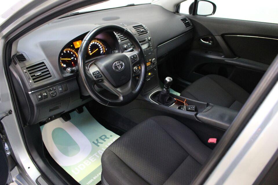 Toyota Avensis 2,0 VVT-i T3 Benzin modelår 2009 km 178000