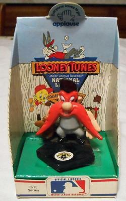Applause Looney Tunes Detroit Tigers Baseball Elmer Fudd Figure dated 1990