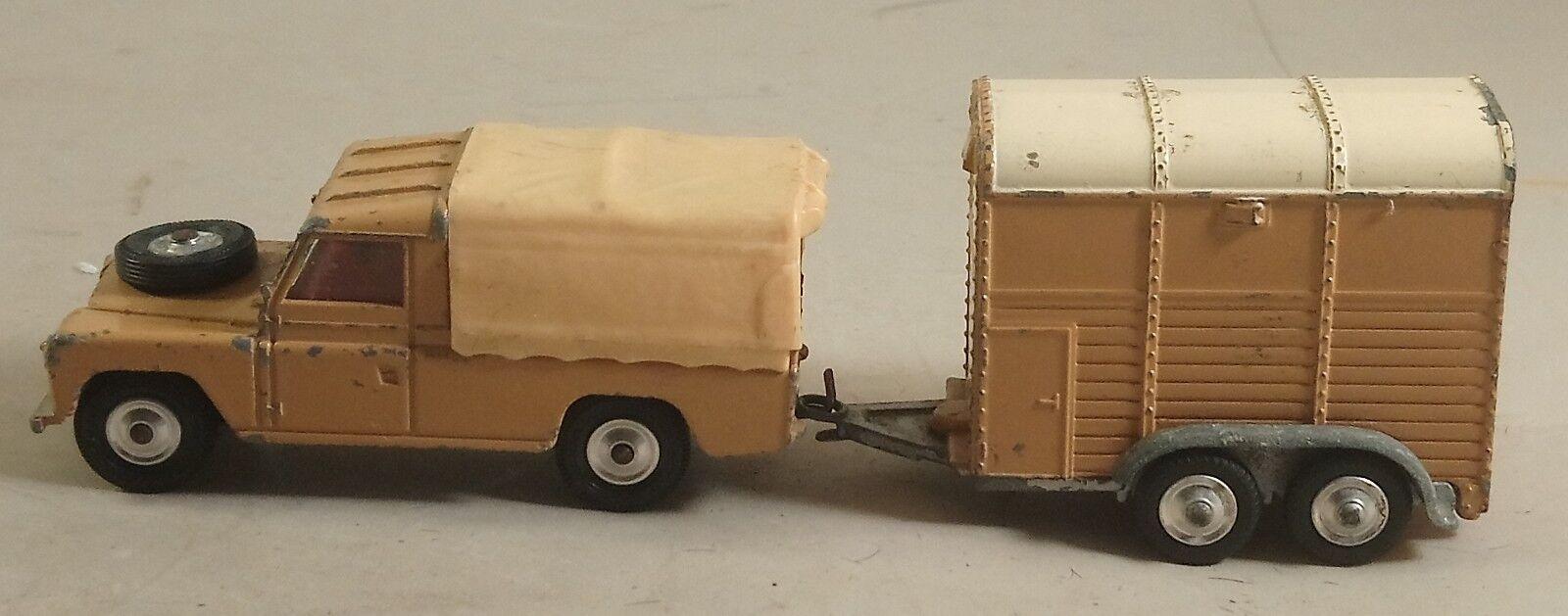 CORGI TOYS LAND ROVER 109 WB En Marron Beige Couleur avec remorque 1960